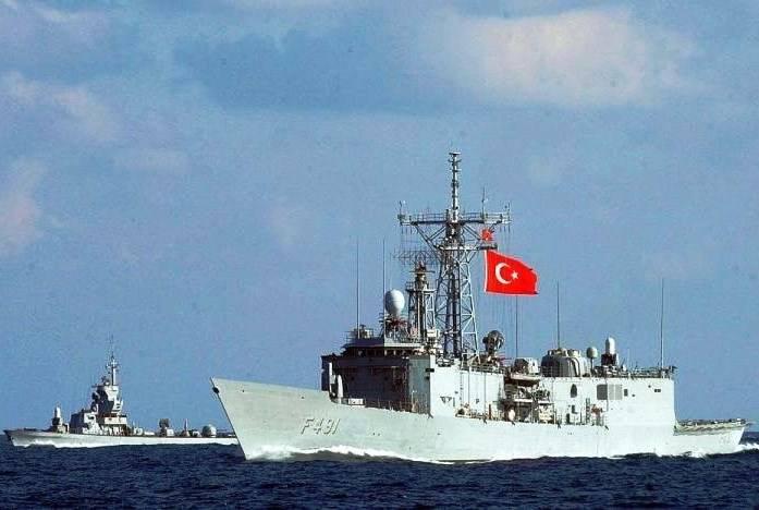 Разведка ЧФ наблюдает за турецкими маневрами в Черном море