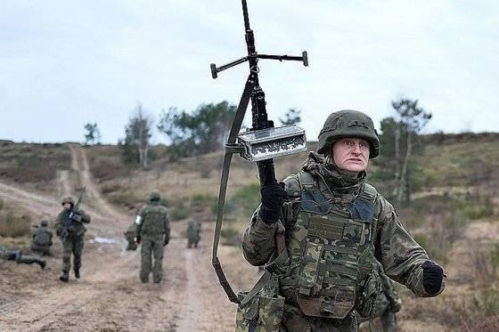 НАТО не скрывает: Россия - враг потому, что посмела стать державой
