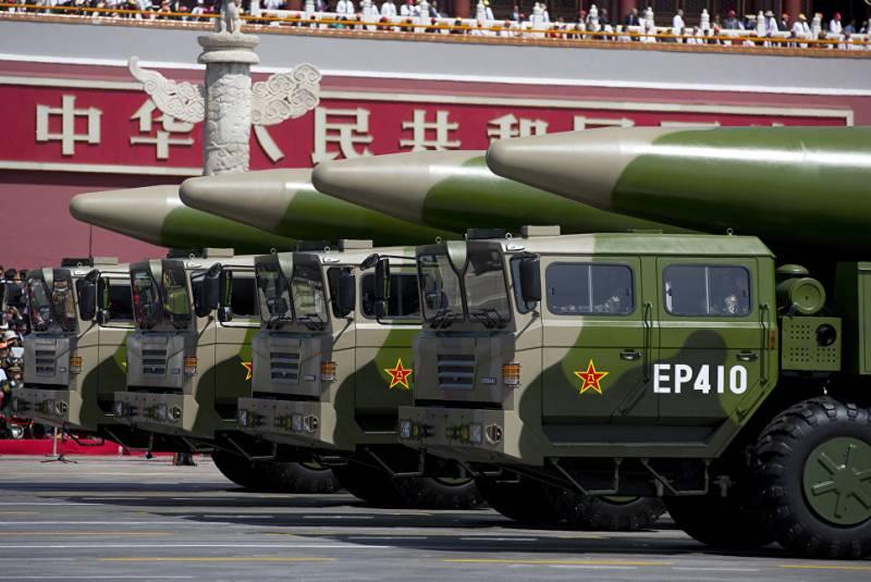 Лидер КНР призвал ускорить создание «армии будущего»
