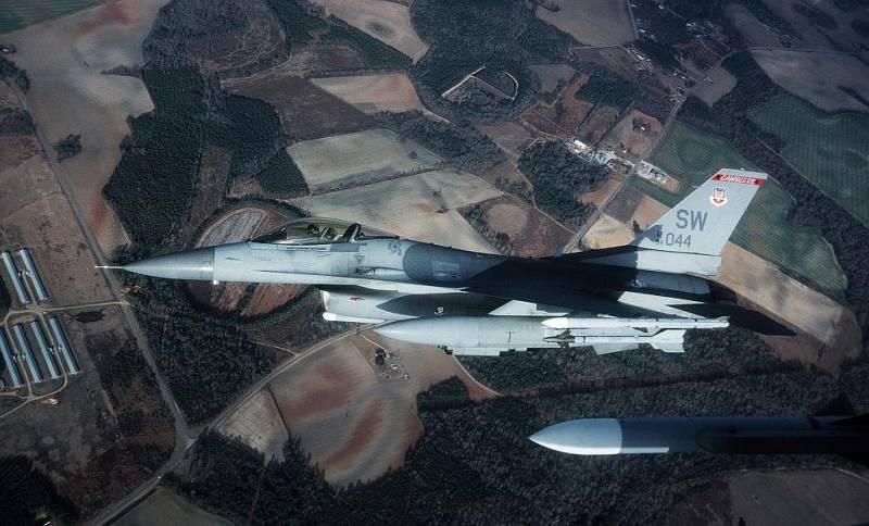 Нештатная ситуация с F-16 ВВС США в Республике Корея