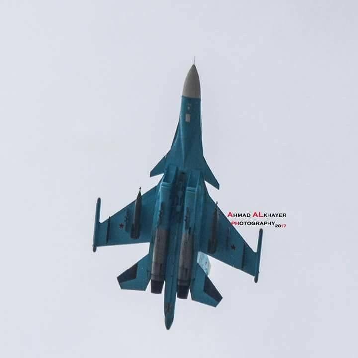 Su-34 को सीरिया में देखे जाने वाले समायोज्य बम KAB-1500L के साथ देखा गया