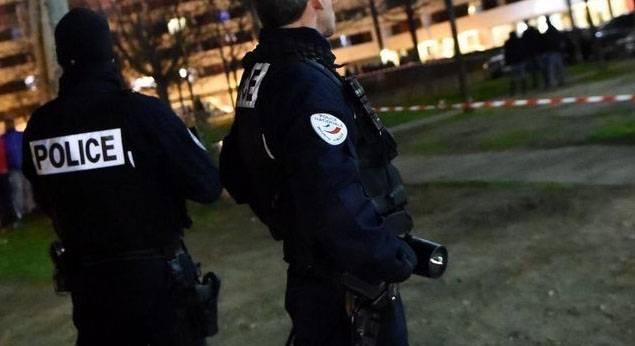 Милиция Франции задержала 2-х девушек, подозреваемых вподготовке теракта