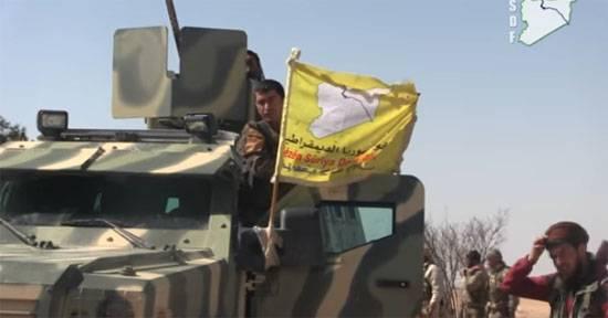 """Курды пытаются устроить """"котёл"""" для игиловцев близ города Табка (Сирия)"""