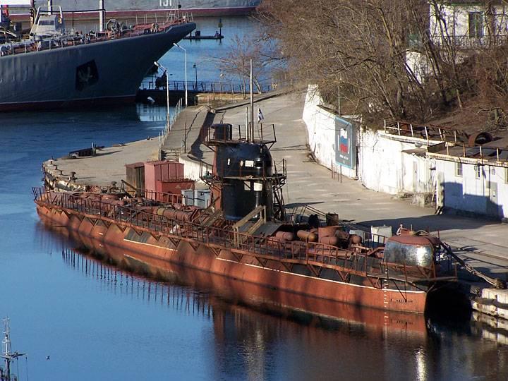 Оставшиеся в Крыму украинские корабли поддерживаются на плаву в качестве «военного имущества»
