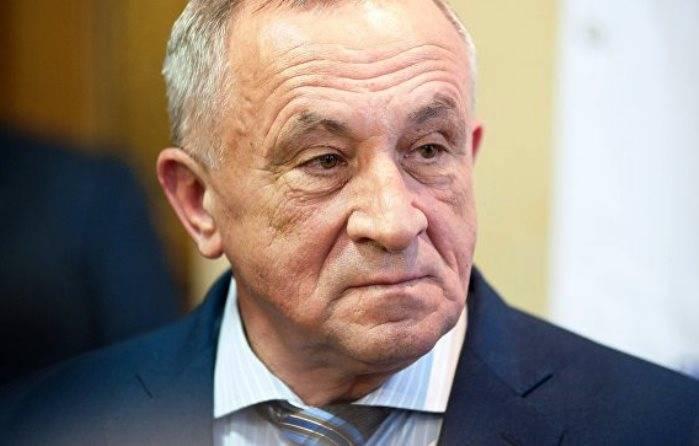 Глава Удмуртии Соловьев в наручниках этапирован в Москву