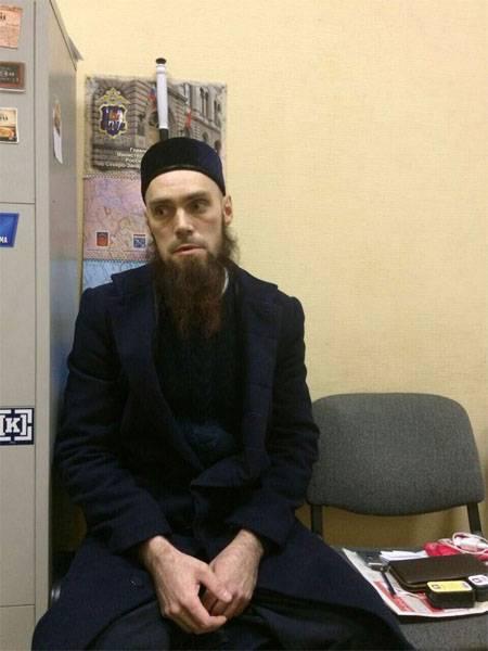 """""""Человек с фото"""" сам явился в полицию и заявил о своей непричастности к теракту в Санкт-Петебурге"""