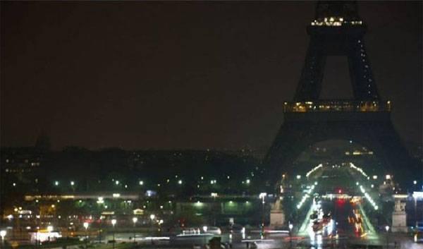 Эйфелева башня погасит огни в память о жертвах теракта в Санкт-Петербурге