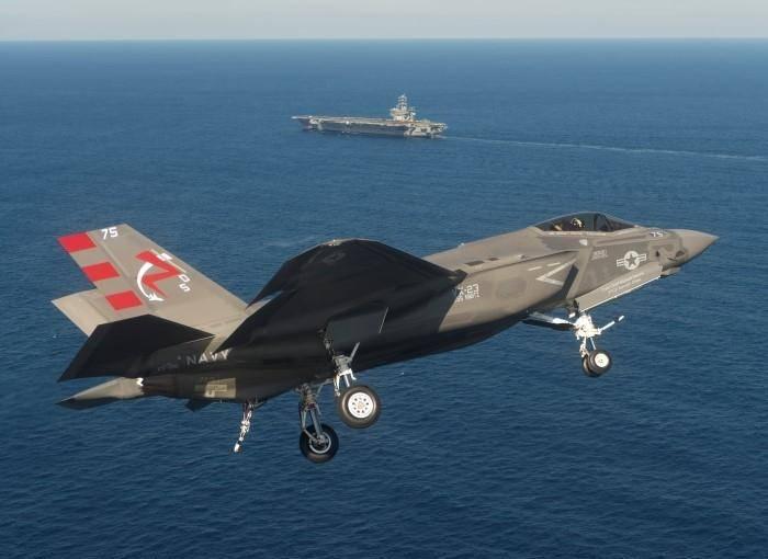 Lockheed Martin пообещал снизить цену на палубный вариант F-35
