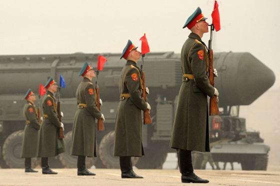 """Только после вас: Россия отказалась бездумно """"пилить"""" свой ядерный щит"""