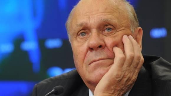 Владимир Меньшов передал ополченцам миллион рублей и ноутбук