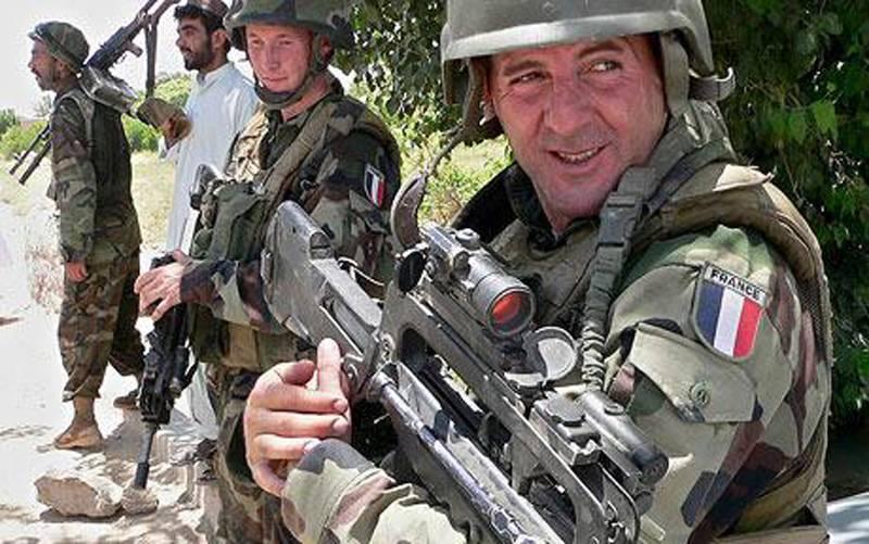Макрон готов поддержать интервенцию в Сирию