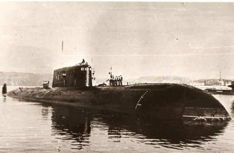 Северный флот почтит память экипажа подлодки «Комсомолец»