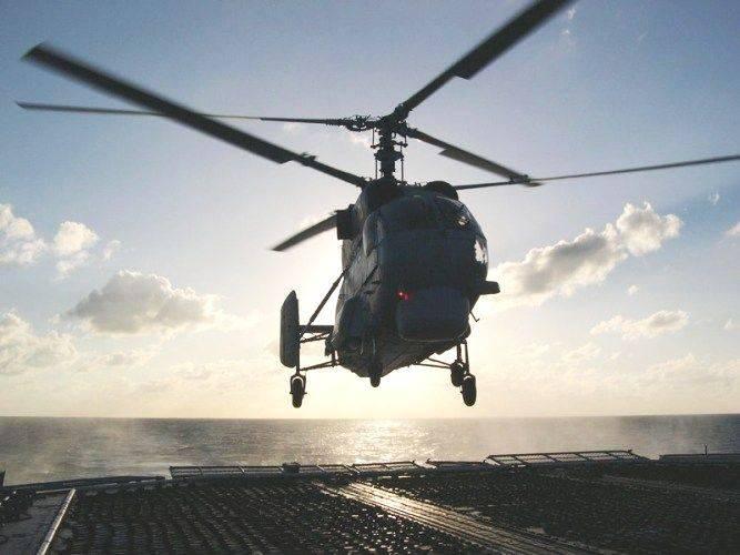 Вертолетчики МА ТОФ отработали посадку на палубу корабля в дрейфе и на ходу