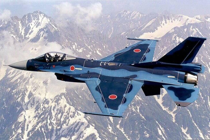 Истребители японских сил самообороны сопроводили российские самолеты