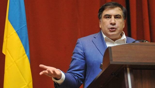Саакашвили предложил построить стену на границе Донецких республик