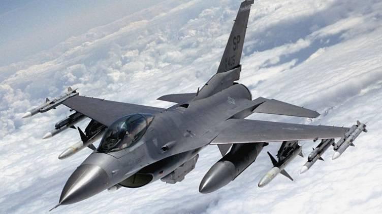 В США испытывают беспилотный F-16