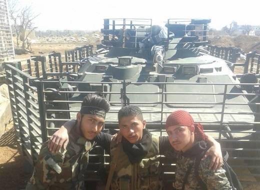 Сирийские БТР-80 с защитными экранами