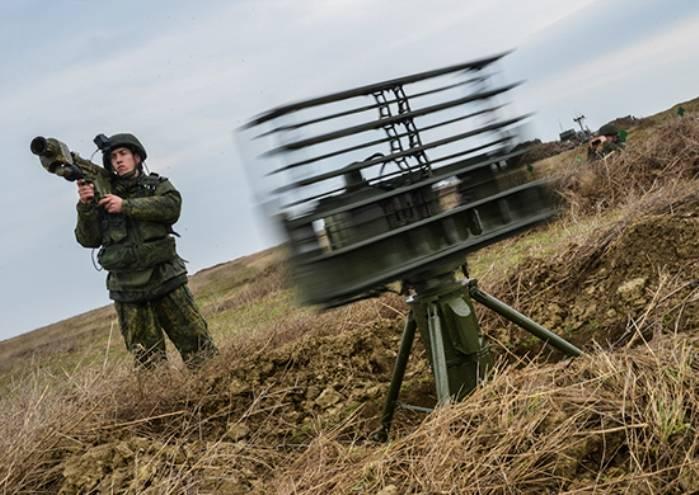 Воинские части в Крыму проходят первую контрольную проверку