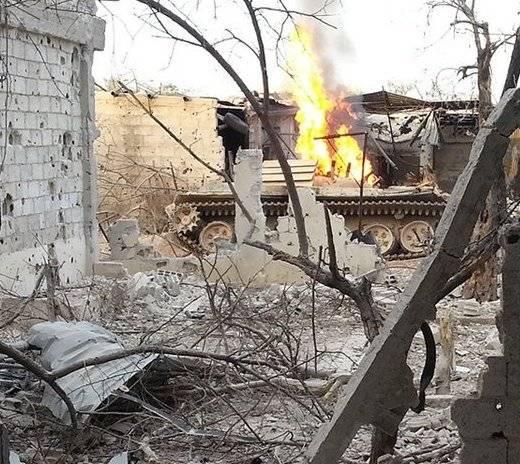 В Сирии уничтожен Т-72М1 с «уголковой защитой»