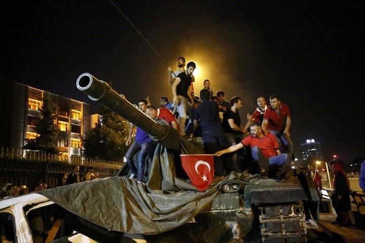 Правительство Турции собирается продлить режим ЧП