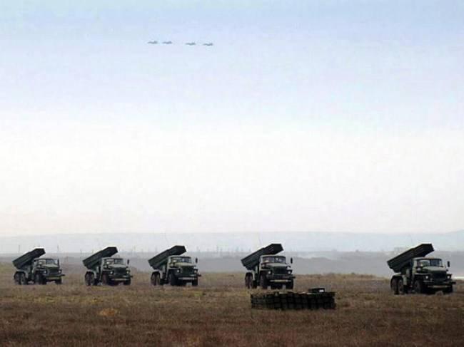 Песков отказался комментировать сообщения о стягивании войск к границе с КНДР