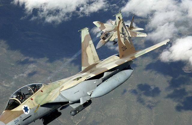 ВВС Израиля нанесли ракетный удар поармии Сирии врайоне Голанских высот