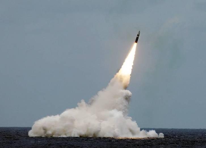 """В России ответили Фэллону, заявившему о праве Британии на """"упреждающий"""" ядерный удар"""