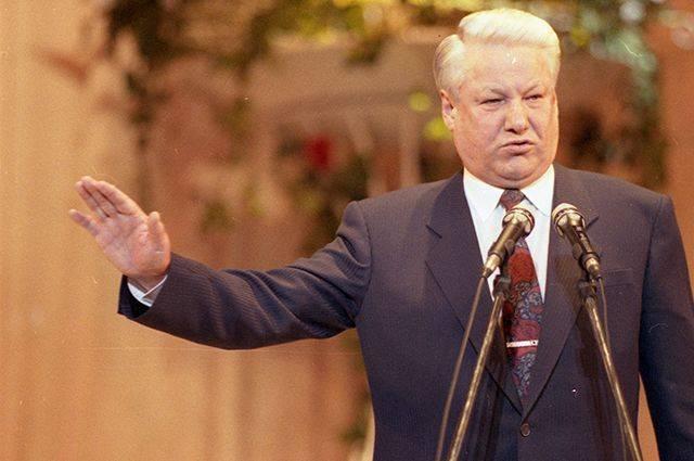В 1998 году Ельцин отдавал распоряжение о сносе мавзолея Ленина