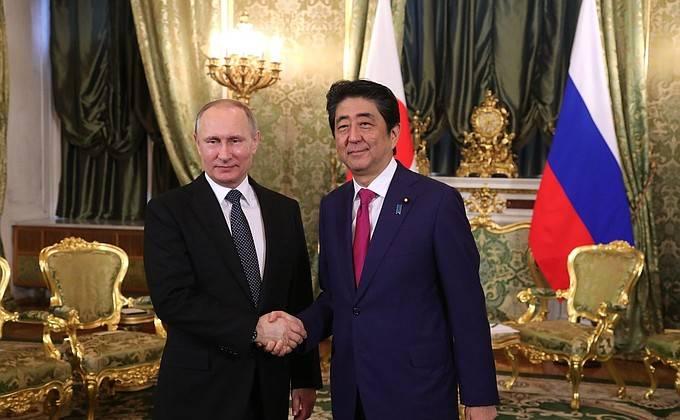 Путин иАбэ призывают квозврату шестисторонних переговоров