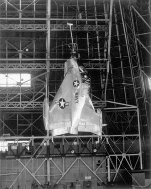 Экспериментальный летательный аппарат Convair XFY-1 Pogo (США)