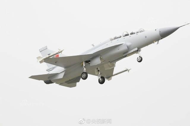 Состоялся первый полет двухместного варианта истребителя JF-17