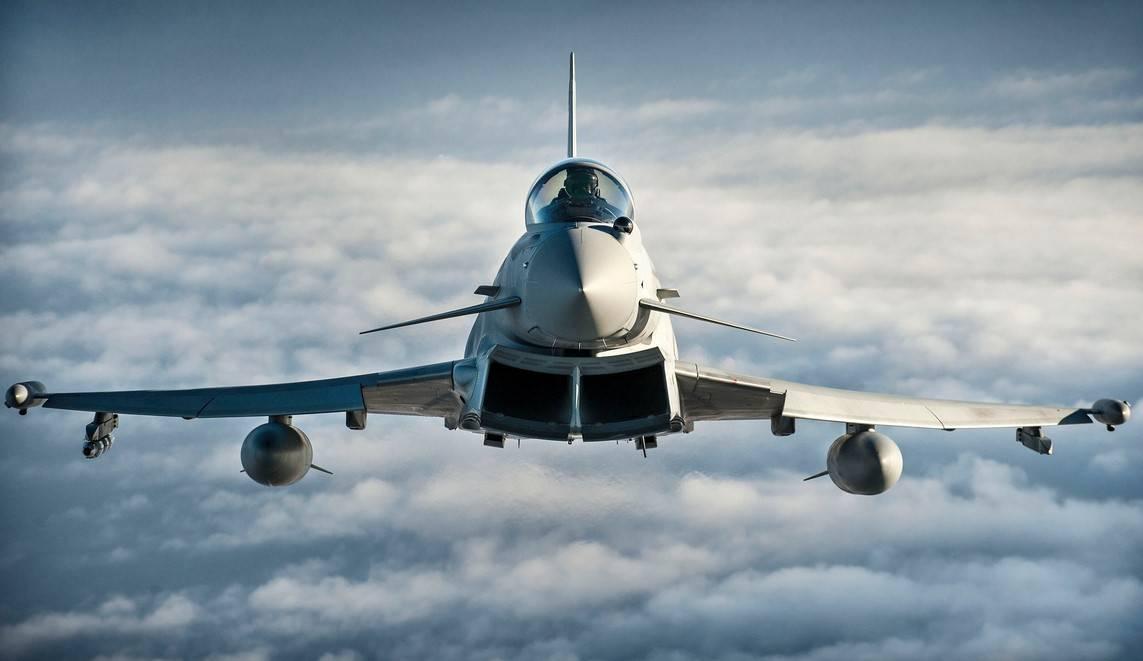 Англия  отправила вРумынию истребители из-за русской  агрессии