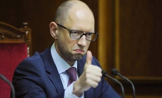 Аваков просит Интерпол не объявлять Яценюка в международный розыск