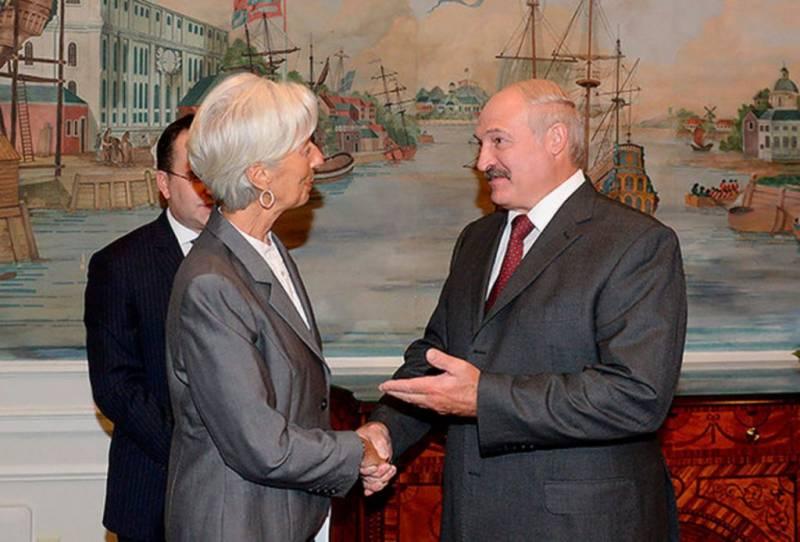 Мнение: Пустить белорусов по миру или кредитные требования МВФ к Минску