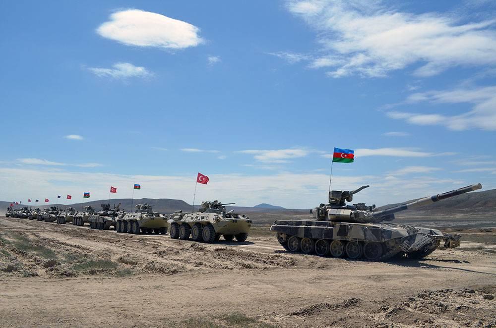 Азербайджан начал общие сТурцией военные учения