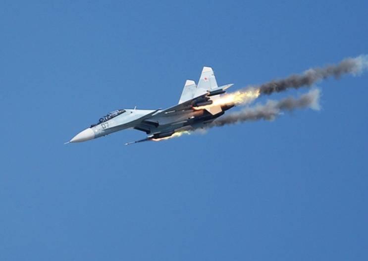 Летчики ЗВО прошли переобучение на истребители Су-30СМ