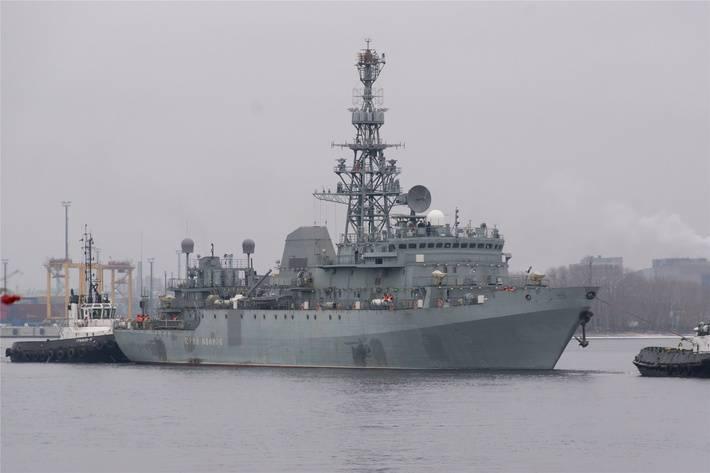 На «Северной верфи» 16мая спустят наводу судно связи «Иван Хурс»