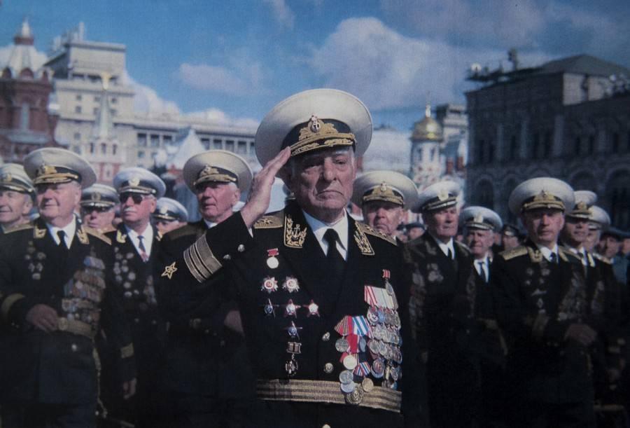 Новейшее судно связи «Иван Хурс» готовится кспуску наводу