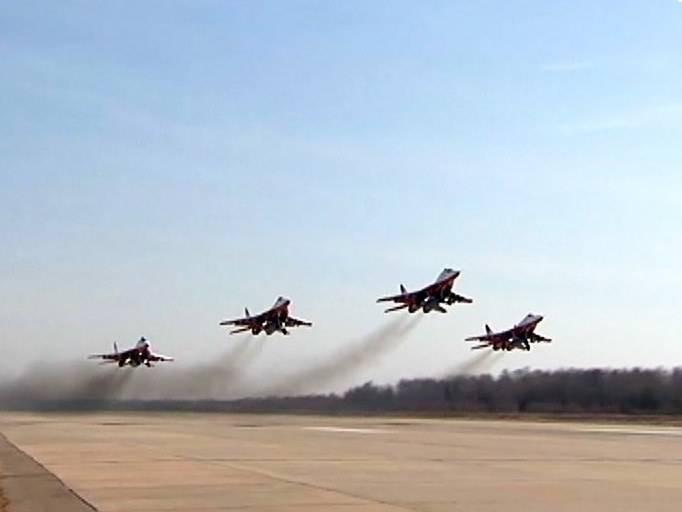 Минобороны РФ «изнутри» показало тренировку авиации к параду 9 мая