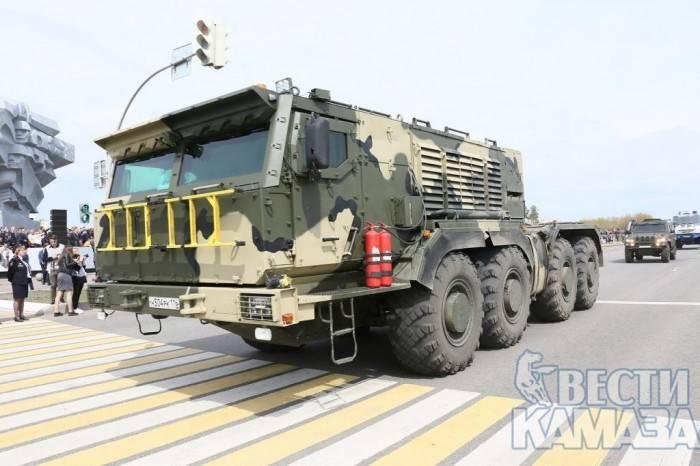 ВНабережных Челнах показали новые тягачи для стратегических изенитных ракет
