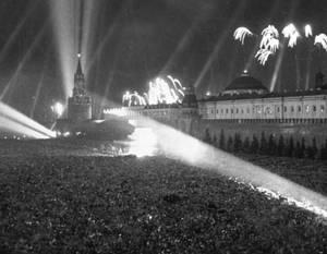 Отмена Сталиным праздника Победы не более чем предательский миф