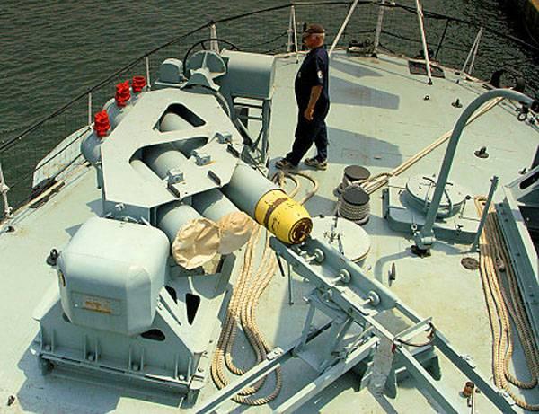 Противолодочный бомбомет Squid (Великобритания)