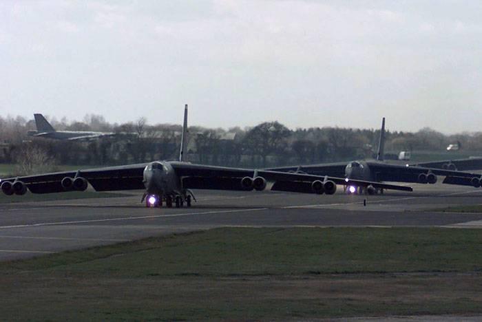Οι Ηνωμένες Πολιτείες θα μεταφέρει τα στρατηγικά βομβαρδιστικά Ηνωμένο Βασίλειο