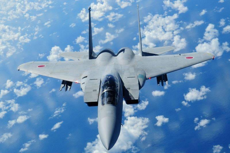 Министр обороны Японии обвинила КНР в несоблюдении воздушных границ