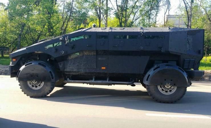 В Крыму замечены автомобили «Фалькатус»