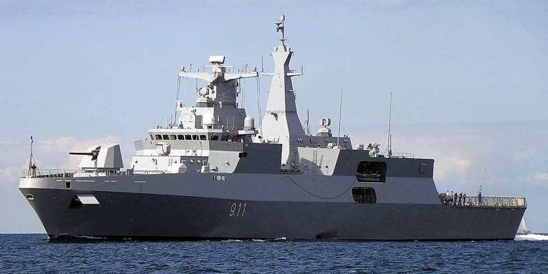 В Алжир прибыл второй заказанный в ФРГ фрегат проекта МЕКО А200