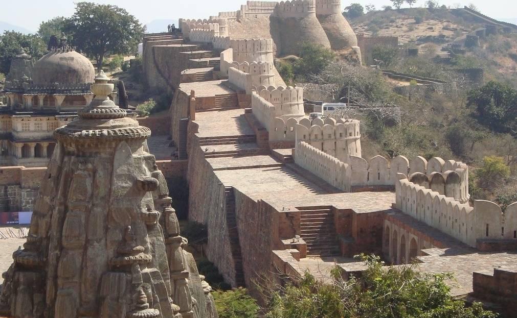 Кумбхалгарх («форт Кумбхал») – «Великая индийская стена»
