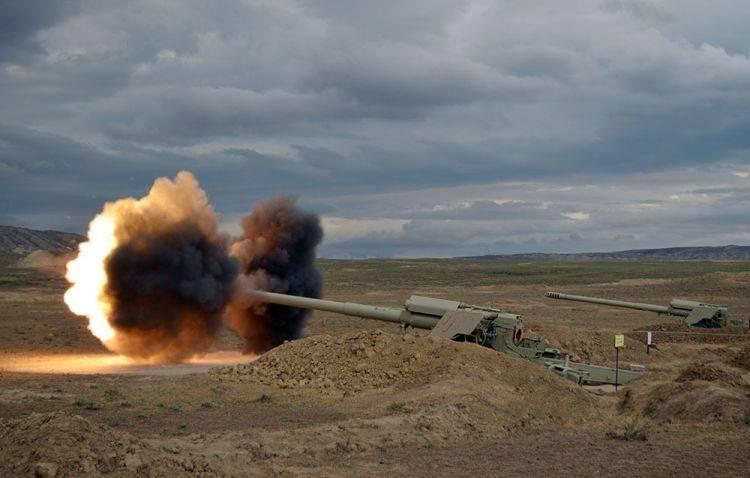 В Азербайджане началось учение ракетных и артиллерийских подразделений