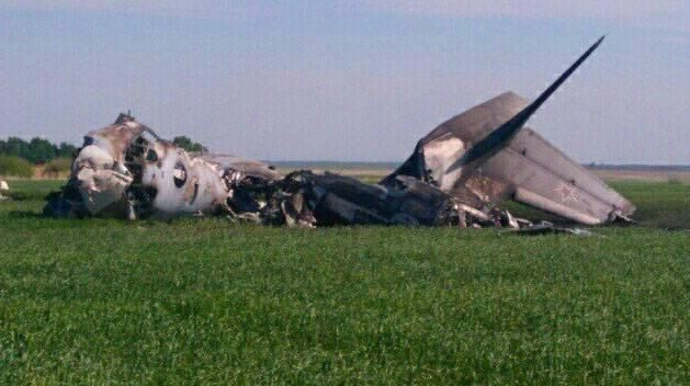 ВСаратовской области совершил жесткую посадку самолет Ан-26, умер военнослужащий