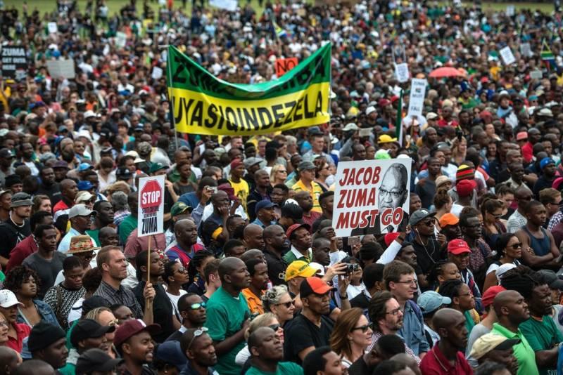 ЮАР в тисках реколонизации